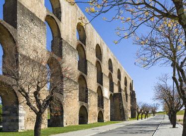 EU23MZW0322 Aqueduto da Amoreira, the aqueduct dating back to the 16th and 17th century. Elvas in the Alentejo close to the Spanish border. UNESCO World Heritage Site  Portugal