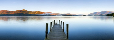 UK07967 United Kingdom, England, Cumbria, Lake District National Park, Derwent Water, Wooden jetty at Barrow Bay landing