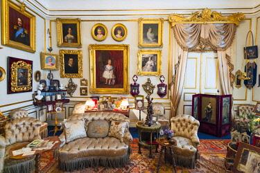 DEN0361AW Amalienborg Palace interiors, Copenhagen, Hovedstaden, Denmark.