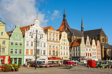 GER10106AW Rostock, Mecklenburg-Western Pomerania, Germany. St. Mary's Church and Neuer Markt (New Market Square).