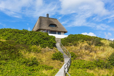 GER10164AW Hörnum, Sylt island, North Frisia, Schleswig-Holstein, Germany. Traditional frisian house.