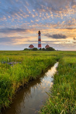 GER10185AW Westerhever lighthouse, Eiderstedt, North Frisia, Schleswig-Holstein, Germany.