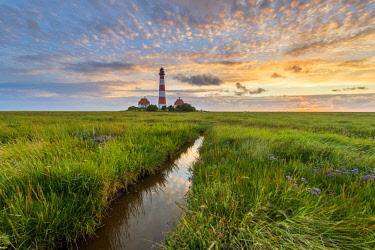 GER10186AW Westerhever lighthouse, Eiderstedt, North Frisia, Schleswig-Holstein, Germany.