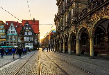 GER10241AW Bremen, Bremen State, Germany. The City Hall's arcades in Marktplatz.