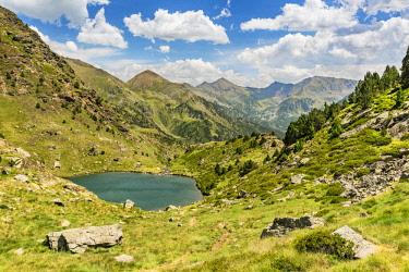 AND1025AW Small mountain lake, Parc Natural de la Vall de Sorteny, Andorra