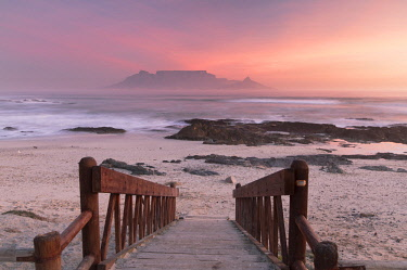 SAF7068AW View of Table Mountain from Bloubergstrand at sunset, Cape Town, Western Cape, South Africa