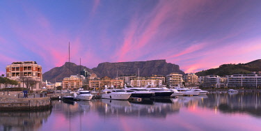 SAF7098AW V+A Waterfront Marina at sunset, Cape Town, Western Cape, South Africa