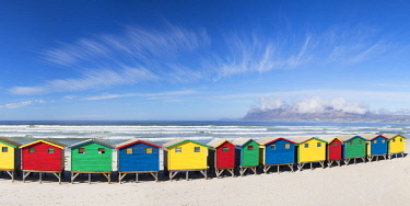 SAF7132AW Beach huts on Muizenberg beach, Cape Town, Western Cape, South Africa