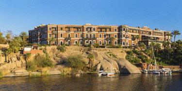 EG03454 Egypt, Upper Egypt, Aswan, Sofitel Legend Old Cataract hotel on the banks of the Nile