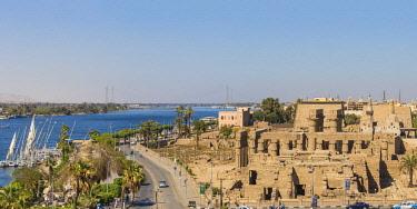 EG03459 Egypt, Luxor, View of Luxor Temple