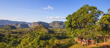 CB02744 Cuba, Pinar del Rio Province, Vinales,  Vinales valley