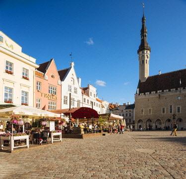 EST1230AW Town Hall Square (Raekoja plats), Old Town, Tallinn, Estonia, Europe
