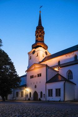 EST1245AW Exterior of St Mary's Cathedral (Toomkirik), Old Town, Tallinn, Estonia, Europe