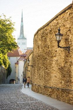 EST1249AW Pikk Jalg Street, Old Town, Tallinn, Estonia, Europepeople