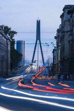 LAT1238AW Vansu Tilts Bridge at twilight, Riga, Latvia, Baltic States, Europe