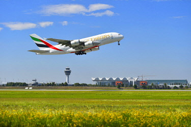 IBLATF04334791 Airbus A380 of Emirates Airlines starting, Munich Airport, Munich, Bavaria, Germany, Europe