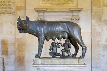 IBLBDN03919499 Capitoline Wolf, Capitoline Museums, Rome, Lazio, Italy, Europe