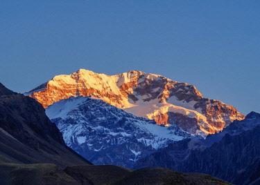 ARG2382AW Aconcagua Mountain, sunrise, Aconcagua Provincial Park, Central Andes, Mendoza Province, Argentina