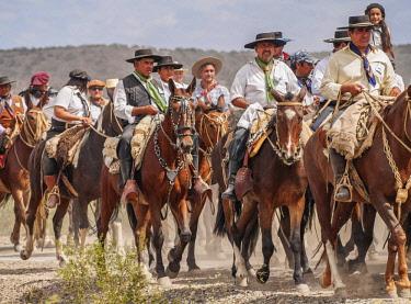 ARG2578AW Cabalgata de Los Gauchos, Gaucho horse parade from San Juan to Vallecito, San Juan Province, Argentina