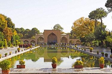 IBLCXB03779750 Entrance portal and pool, Chehel Sotun Palace Garden, Isfahan, Isfahan Province, Persia, Iran, Asia