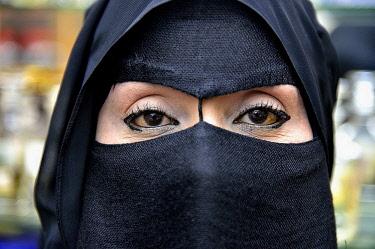 IBLFVP04010565 Portrait of a Muslim woman, veiled, Salalah, Dhofar Region, Orient, Oman, Asia