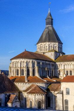 HMS2197081 France, Nievre, La Charite sur Loire, Notre Dame church