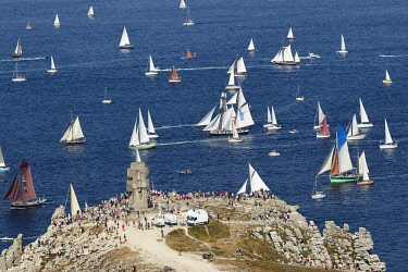 HMS2884360 France, Finistère, Camaret sur mer, Maritime festival of Brest 2016, the great parade between Brest and Douarnenez on 19 July 2016, traditional boats in the Tas de Pois at the pointe de Pen-Hir (aeri...