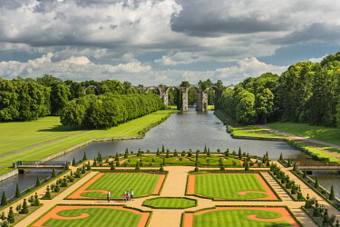 HMS1961747 France, Eure et Loir, Maintenon, Chateau de Maintenon, New French garden, commissioned by the Eure et Loir General Council and directed by Patrick Pottier, in the spirit of the plan established by Le...