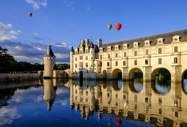 HMS2503301 France, Indre et Loire, castle of Chenonceau, built between 1513 - 1521 in Renaissance style, over the Cher river