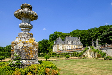 HMS2259018 France, Indre et Loire, Loire Valley listed as World Heritage by UNESCO, Chancay, Castle and Gardens of Valmer, 16 th century, renaissance style