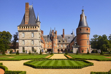 HMS2260704 France, Eure et Loir, Maintenon Castle and its french garden