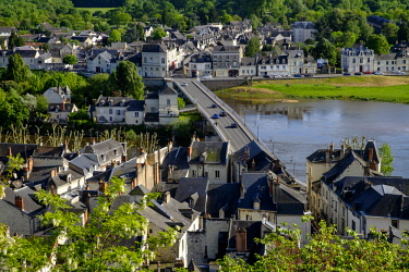 HMS2355576 France, Indre et Loire, Loire Valley listed as World Heritage by UNESCO, Chinon, old town seen from the fortress