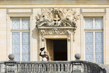 HMS1958686 France, Seine et Marne, Fontainebleau, Fontainebleau castle listed as World Heritage by UNESCO, recreation of history for the bicentenary of the farewell of Napoleon the first in Fontainebleau