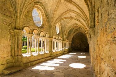 HMS2002085 France, Aude, gallery of the cloister of Sainte Marie de Fontfroide cistercian abbey