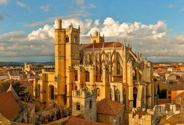HMS3061347 France, Aude, Narbonne, Saint Just and Saint Pasteur catedral, Cathedral view from the tower of the palace of the archbishops