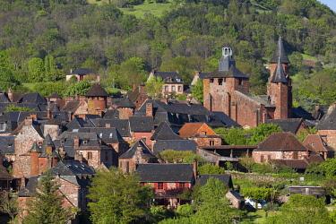 HMS2649608 France, Correze, Collonges la Rouge, labelled Les Plus Beaux Villages de France (The Most Beautiful Villages of France), village built in red sandstone