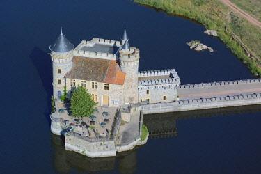 HMS2082057 France, Loire, Saint Priest La Roche, the castle and the Loire river