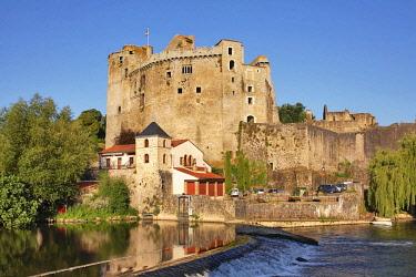 HMS2187752 France, Loire Atlantique, Clisson castle and the Sevre river