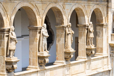 POR9503 Portugal, Douro, Amarante.  Carved stone historical figures on the  Monastery dedicated to the 13th C hermit, Goncalo de Amarante