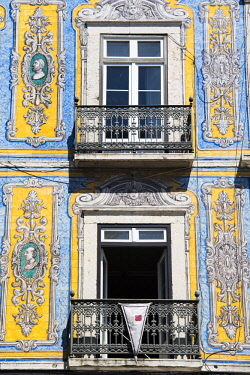 POR9585 Portugal, Lisbon, The Alfama. Ornate tiles or azuelos,, decorate the facade of a mansion overlooking Campo de Santa Clara.
