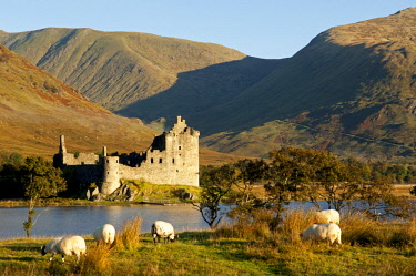 SCO34775 Kilchurn Castle is a ruined 15th and 17th century structure on a rocky peninsula at the northeastern end of Loch Awe, in Argyll and Bute, Scotland