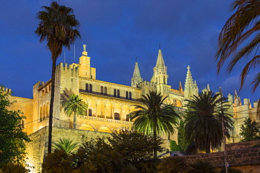 ES06210 Royal Palace of La Almudaina & Cathedral La Seu, Palma, Mallorca (Majorca), Balearic Islands, Spain