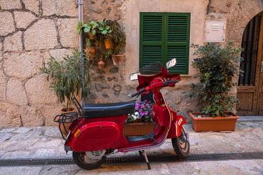 ES06324 Vespa in the street in Valldemossa, Serra de Tramuntana, Mallorca (Majorca), Balearic Islands, Spain