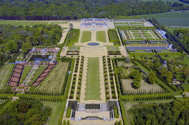 HMS2014541 France, Eure, Le Neubourg, the castle and the gardens of Champ de Bataille properties of the designer Jacques Garcia (aerial view)