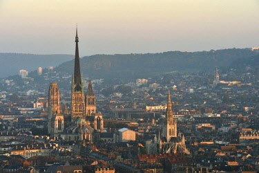 HMS2229377 France, Seine Maritime, Rouen, the City center view with Notre Dame cathedral and Saint Maclou church