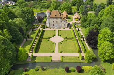HMS2237551 France, Eure, Vascoeuil, Chateau de Vascoeuil, octagonal tower of the 12th century, the 17th century buildings (aerial view)