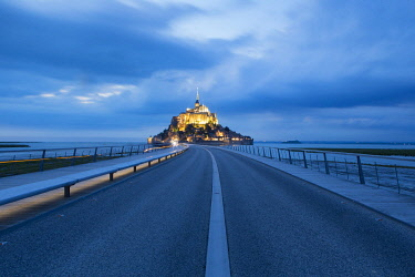 HMS2355534 France, Manche, Mont Saint Michel Bay listed as World Heritage by UNESCO, the footbridge by architect Dietmar Feichtinger and Mont Saint Michel