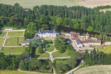 HMS3036751 France, Vienne, Buxeuil, Roche Amenon castle on la Creuse river (aerial view)