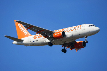 IBLNIP04304595 EasyJet, airliner, in flight
