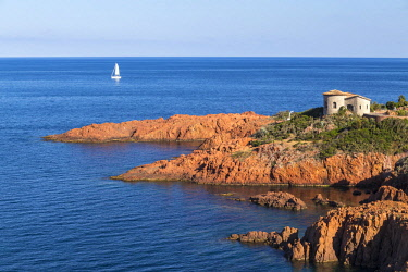 HMS2066128 France, Var, Corniche de l'Esterel, Saint Raphael, Le Trayas, creek of Pointe du Cap Roux